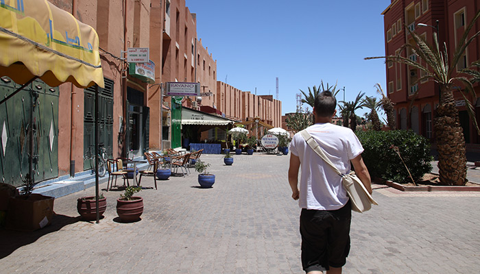 Ouarzazate is located 130 km at the East of Marrakech at the boarder of the Moroccan desert. This area gets an exceptional sunshine.