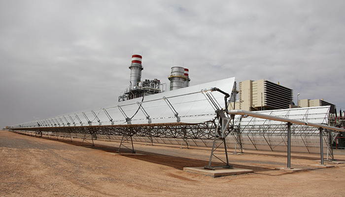 The CSP plant will start operating in 2015 to produce 500 MW, by means of several types of solar technology (solar tower systems and thermal collection devices) like the one in Ain Beni Mathar.