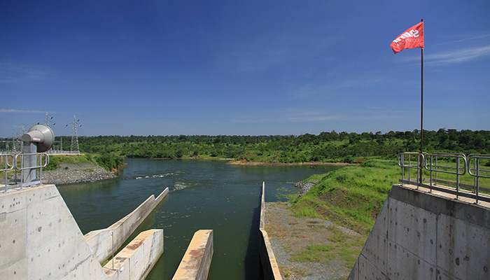 As the result of a public-private partnership, Bujagali Energy Limited (BEL) has been producing energy from the hydroelectric dam in Jinja since 2012, downstream from Lake Victoria.