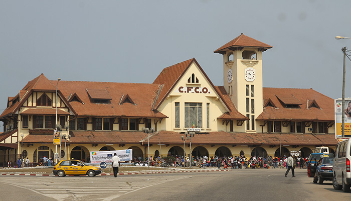 The Congo-Ocean Railway (COR) ends in Pointe-Noire on the Atlantic Ocean Coast. The railway station here is dedicated to the passengers transportation.